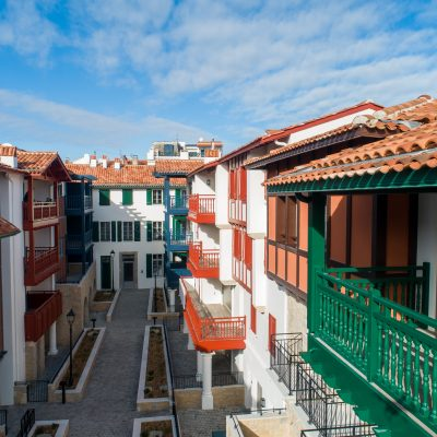 plaza saint joseph saint jean de luz appartements style basque