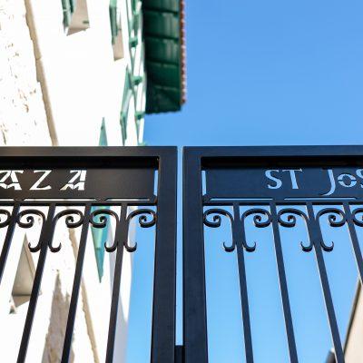 porrtail entrée plaza saint joseph