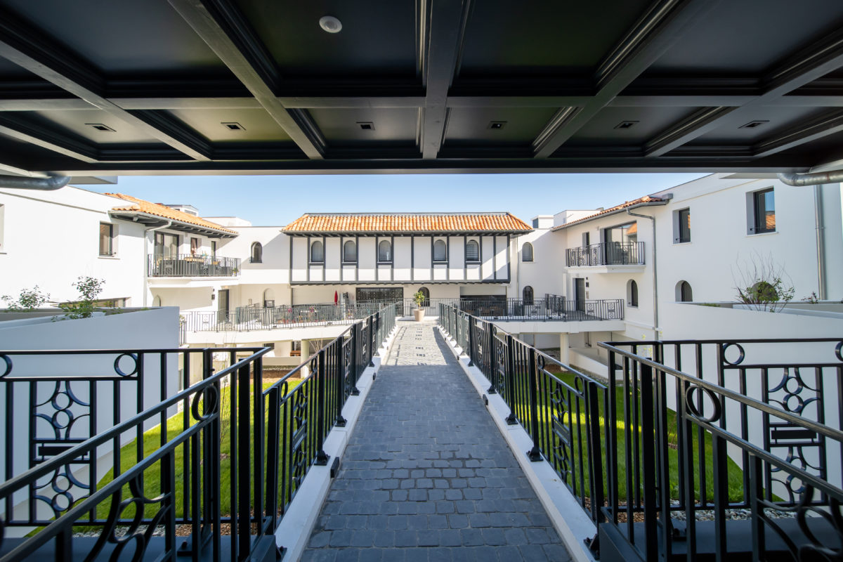 APPARTEMENT A ANGLET DANS UNE RESIDENCE NEUV PROCH COMMERCES