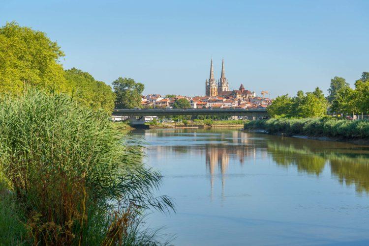 bayonne pays basque cathédrale adour nive