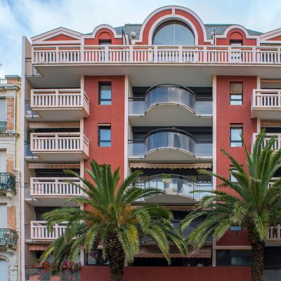 queen victoria résidence neuve balcon palmier pays basque