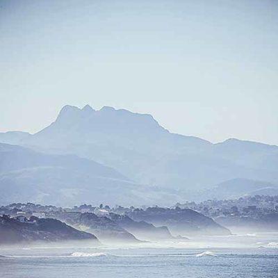 pays basque trois couronnes vagues surf ocean
